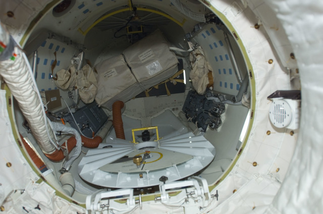 S123E008200 - STS-123 - A/L on Space Shuttle Endeavour during Joint Operations