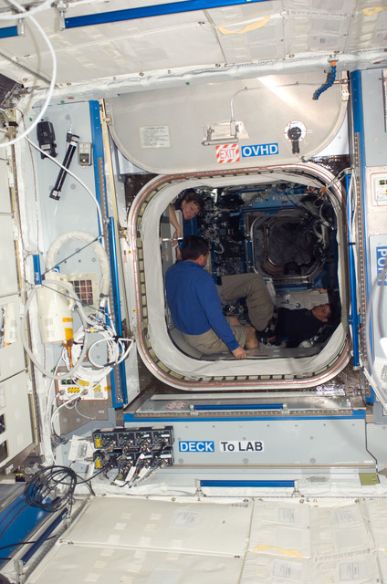 S123E008302 - STS-123 - Node 2 hatch area looking into the U.S. Laboratory during Joint Operations