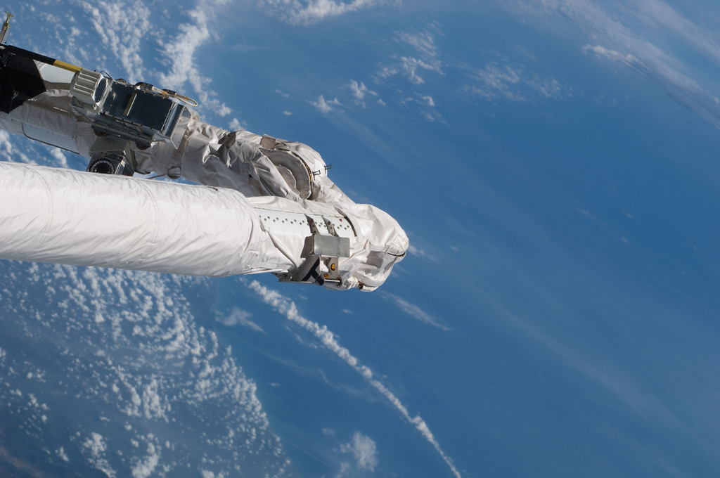 S125E006025 - STS-125 - Shuttle Remote Manipulator System (SRMS)