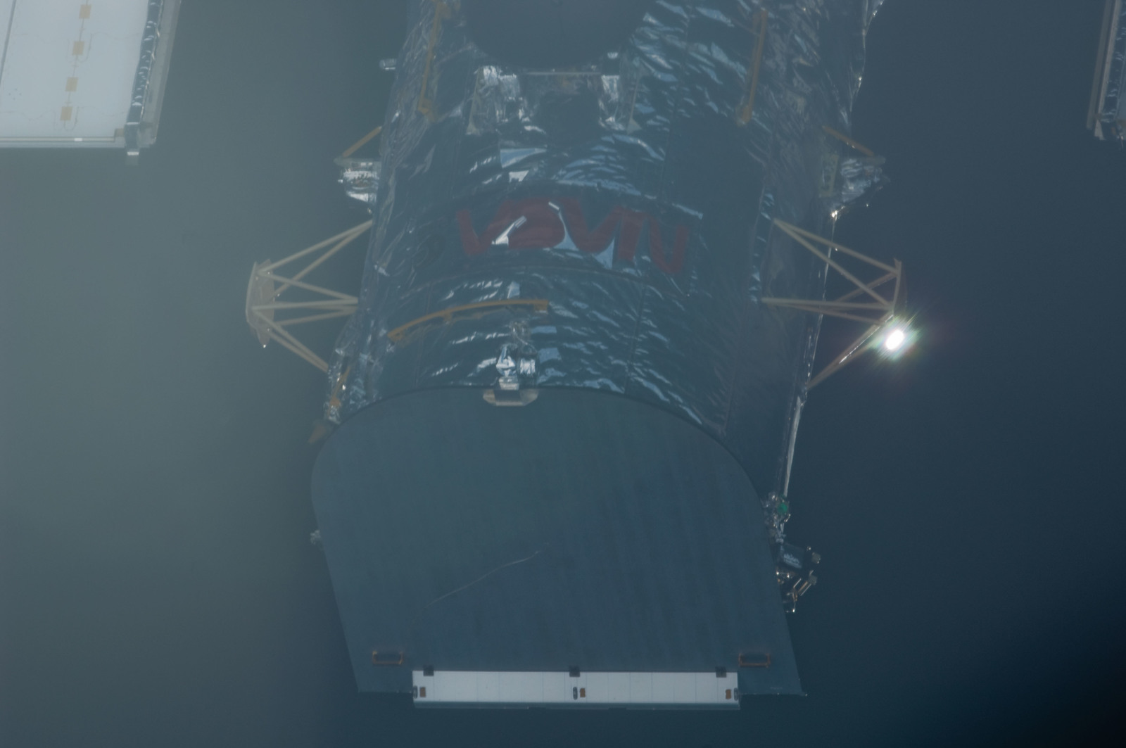 S125E006547 - STS-125 - Hubble Space Telescope (HST) prior to grapple by STS-125 Shuttle Atlantis