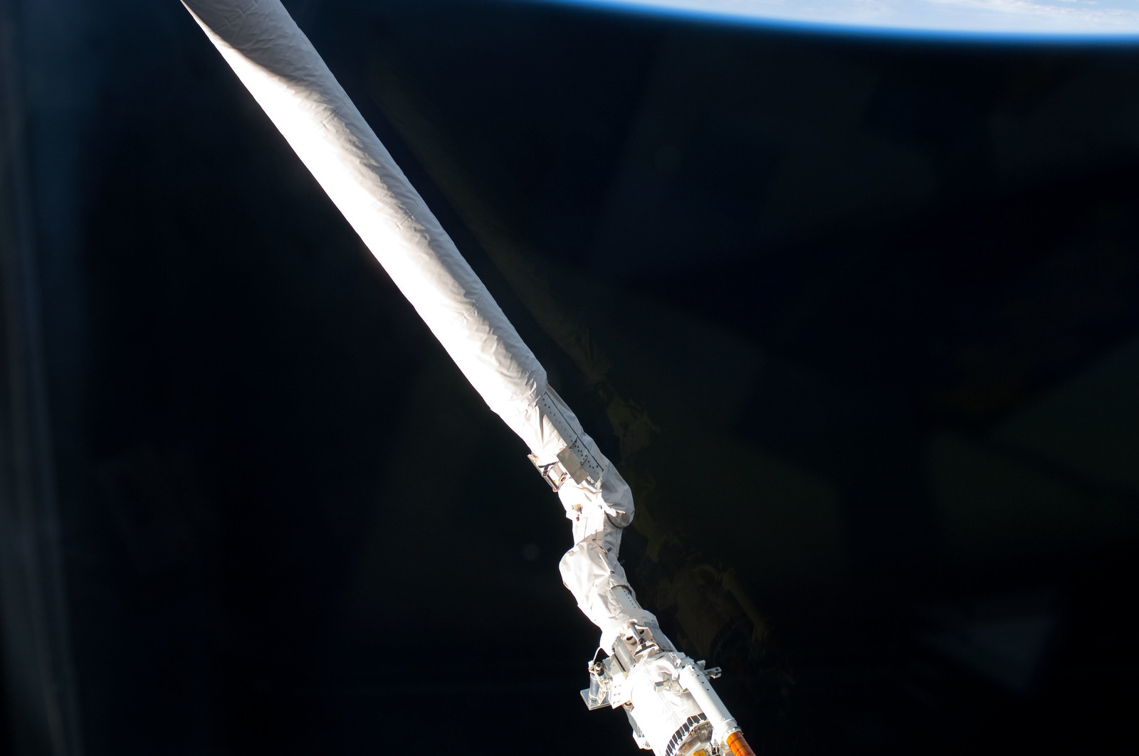 S125E007504 - STS-125 - View of the SRMS/Canadarm