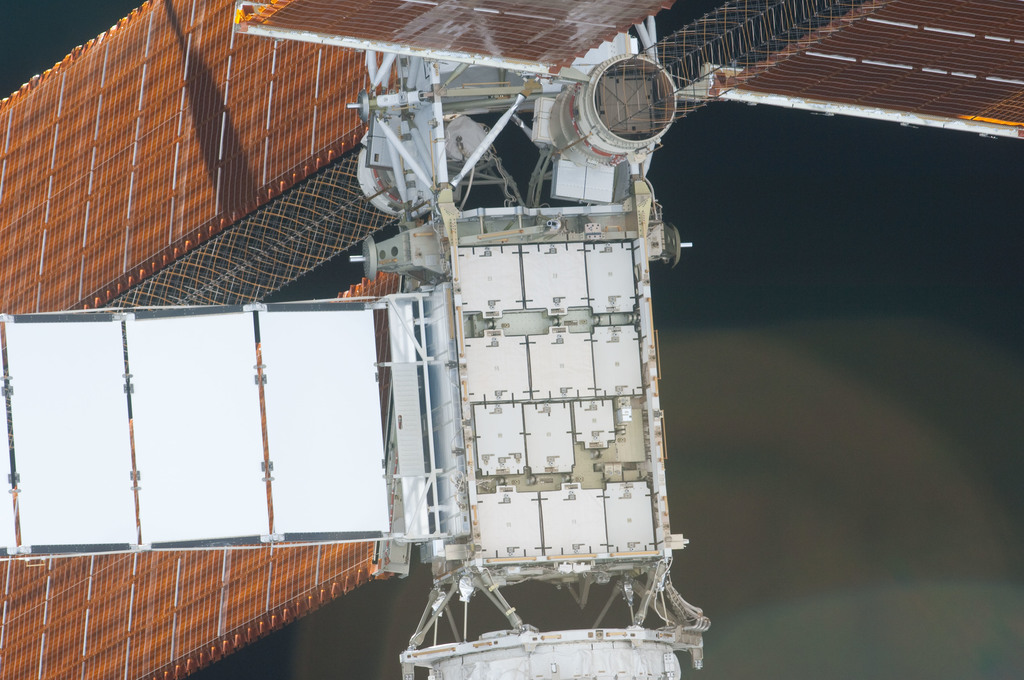 S126E006988 - STS-126 - View of P4 Truss taken during the STS-126 Approach