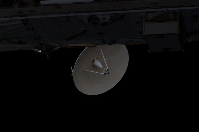 S126E014296 - STS-126 - SGANT during Expedition 18/STS-126