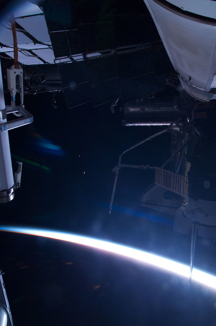 S126E024921 - STS-126 - View of ISS, Docked Soyuz and Endeavour