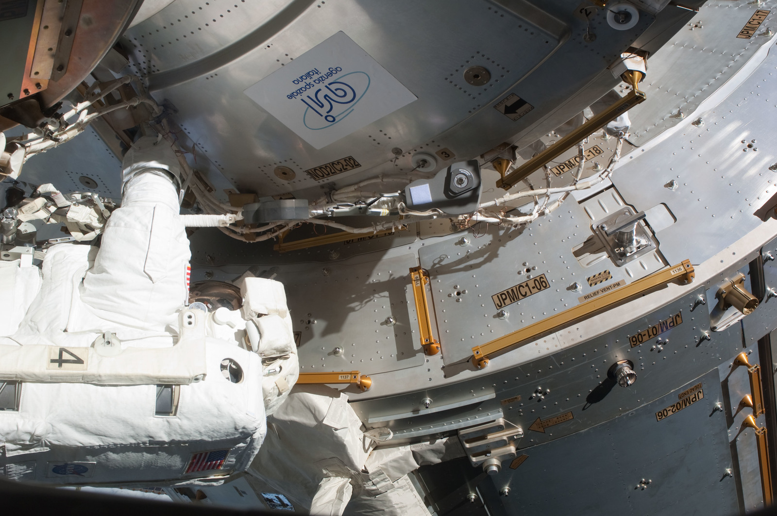 S127E006843 - STS-127 - Kopra at JPM during EVA-1 on STS-127 / Expedition 20 Joint Operations