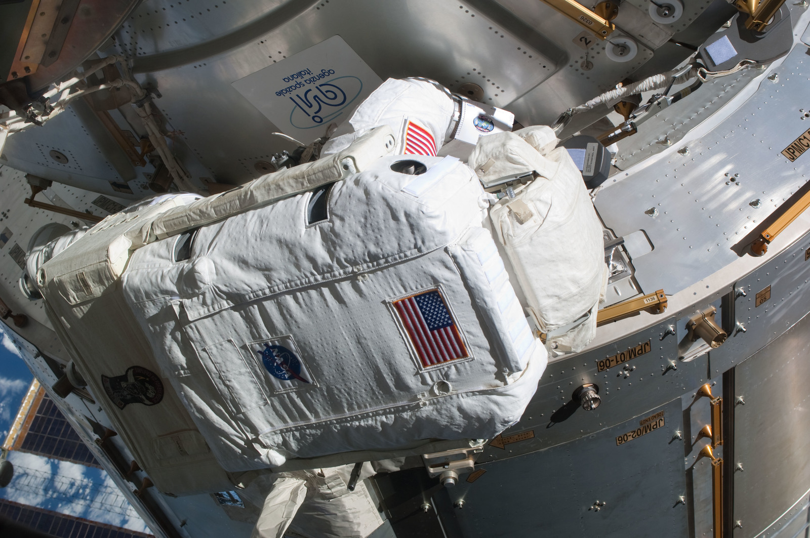 S127E006844 - STS-127 - Kopra at JPM during EVA-1 on STS-127 / Expedition 20 Joint Operations