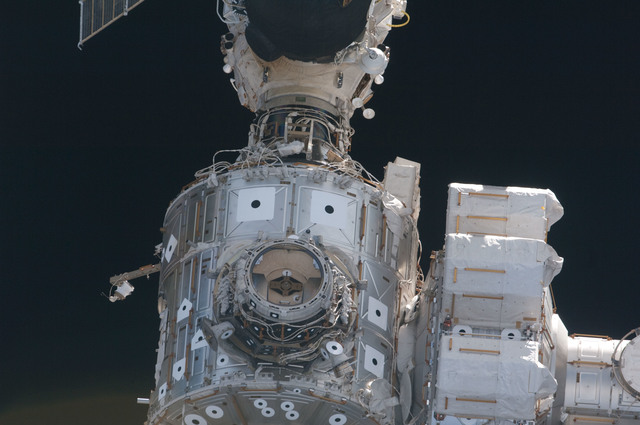 S127E010049 - STS-127 - Fly-around view of the ISS by the STS-127 crew