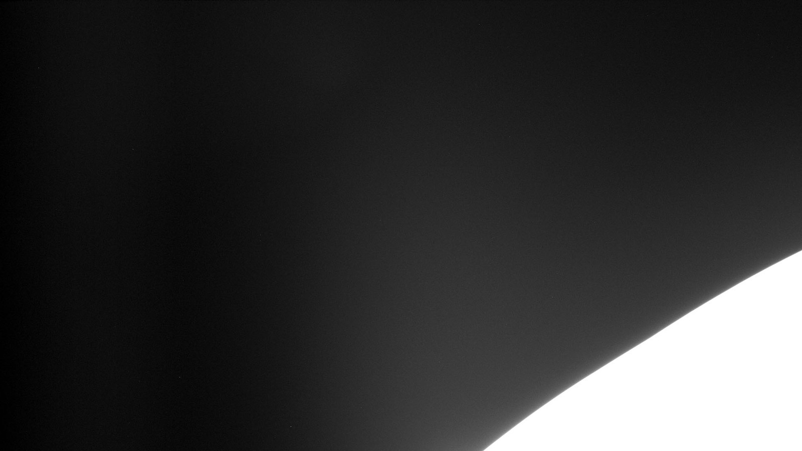 S127E010384 - STS-127 - Survey view of the Orbiter Endeavour.