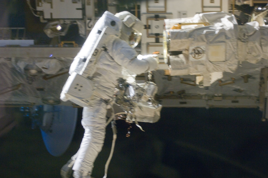 S129E006758 - STS-129 - View of STS-129 MS4 Satcher during EVA1