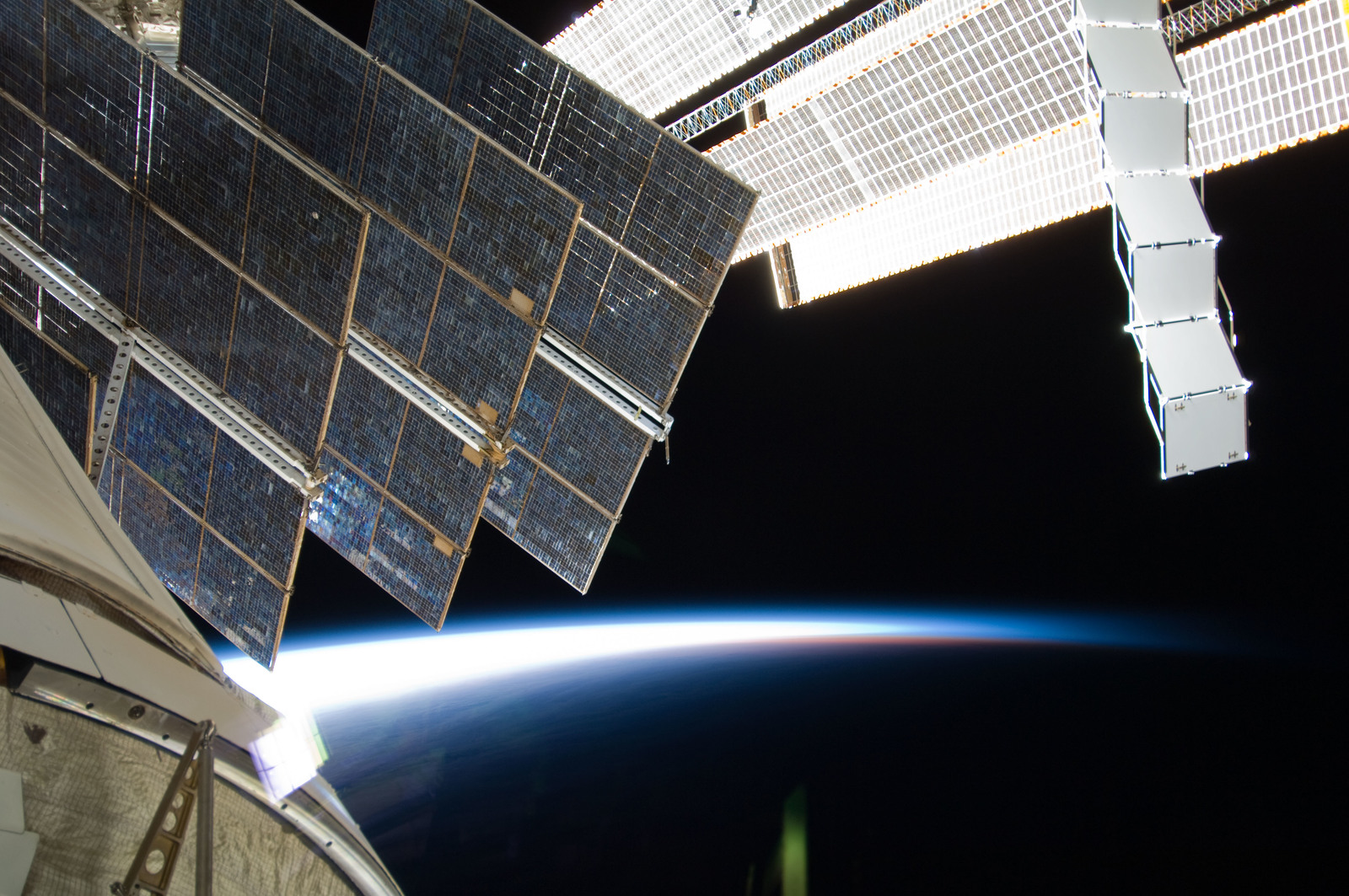 S129E007484 - STS-129 - Exterior view of ISS as seen from an MRM2/Poisk Window