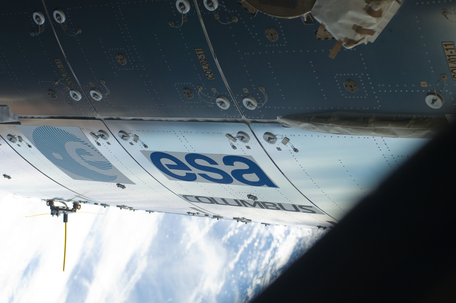 S129E008093 - STS-129 - Close-up view of the Columbus Exterior