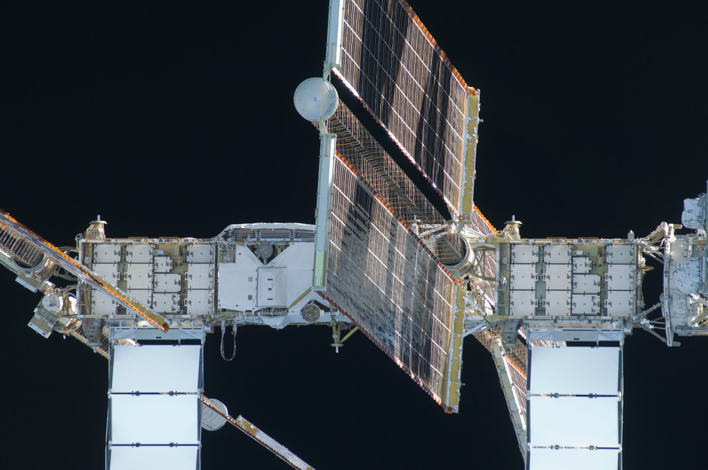S129E009386 - STS-129 - View of the ISS taken as Atlantis departs at the end of the STS-129 Mission
