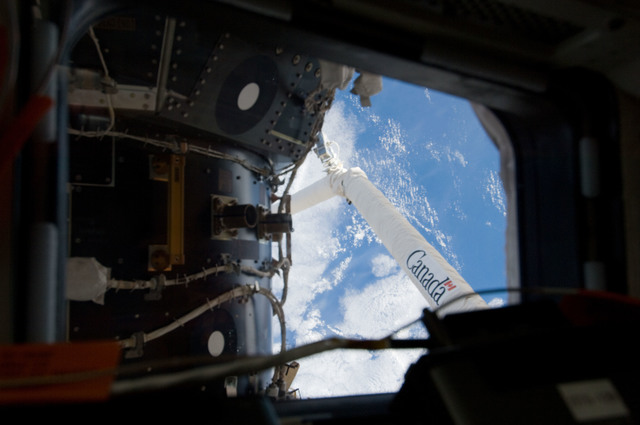 S129E009447 - STS-129 - View of PMA2 as seen through an aft Flight Deck Window