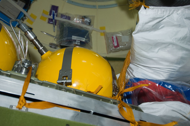 S129E011197 - STS-129 - View of Portable Repress Tanks