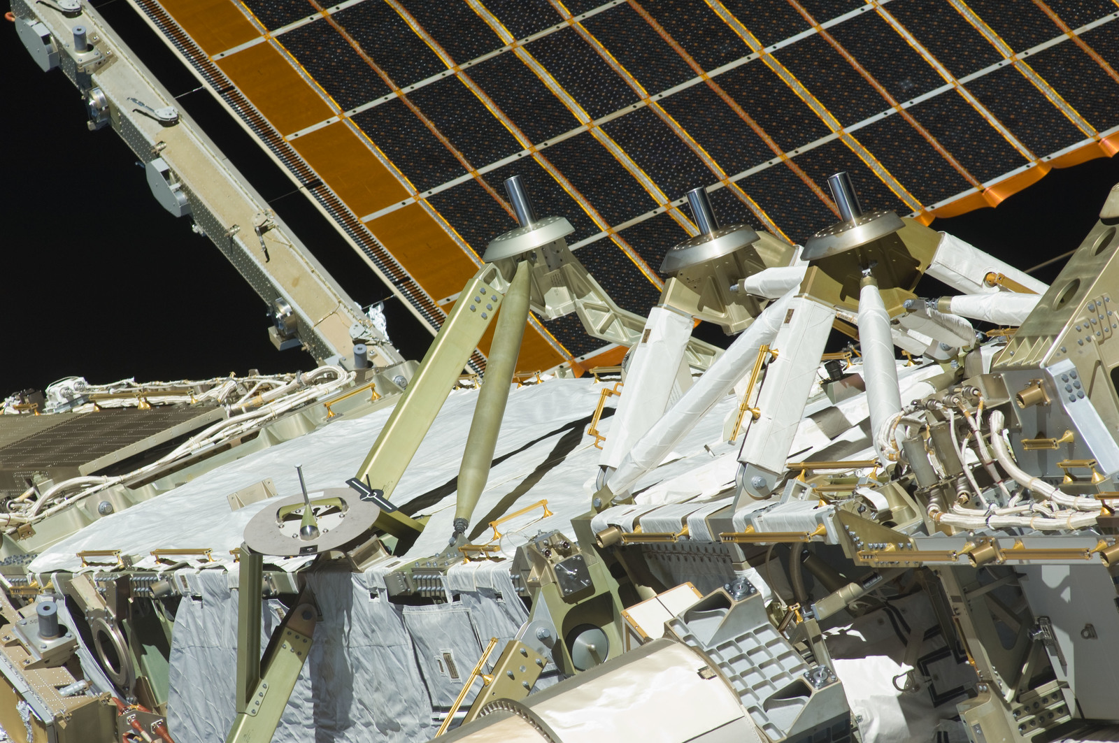 S129E011358 - STS-129 - Exterior close-up view of a Truss Segment