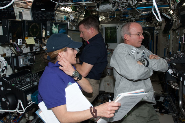 S130E008195 - STS-130 - Hire, Virts and Williams in US Lab