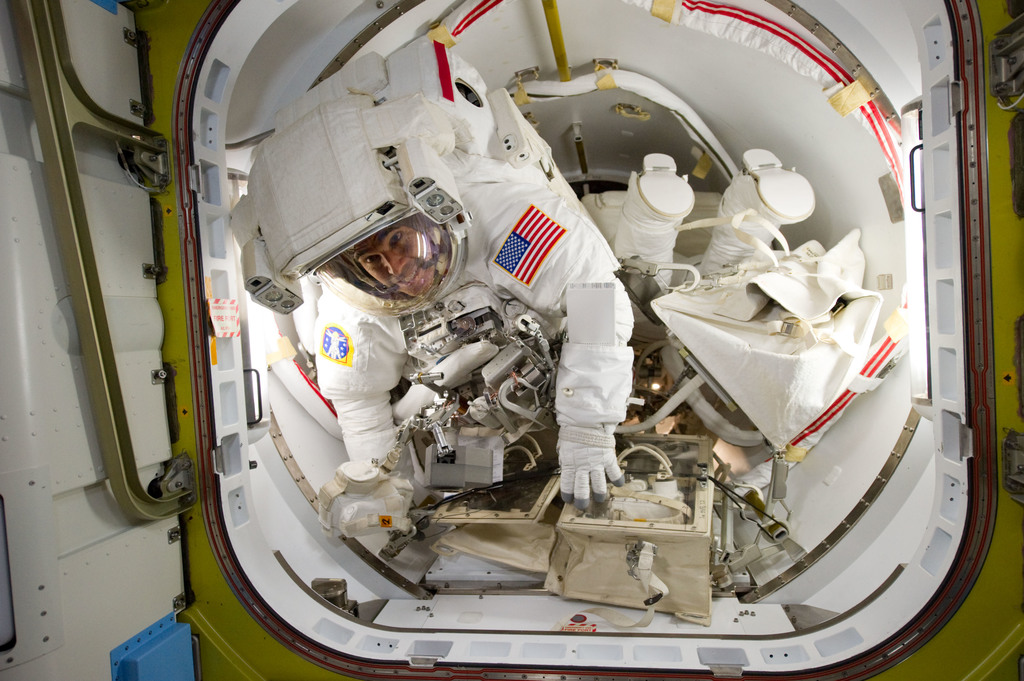 S131E008672 - STS-131 - STS-131 EVA 2 EMU Prep