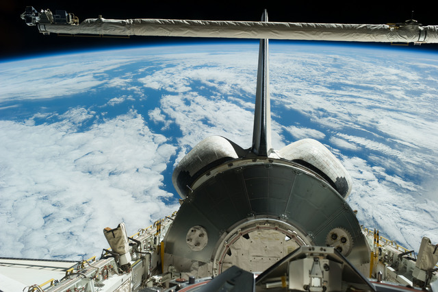 S131E011087 - STS-131 - MPLM in PLB