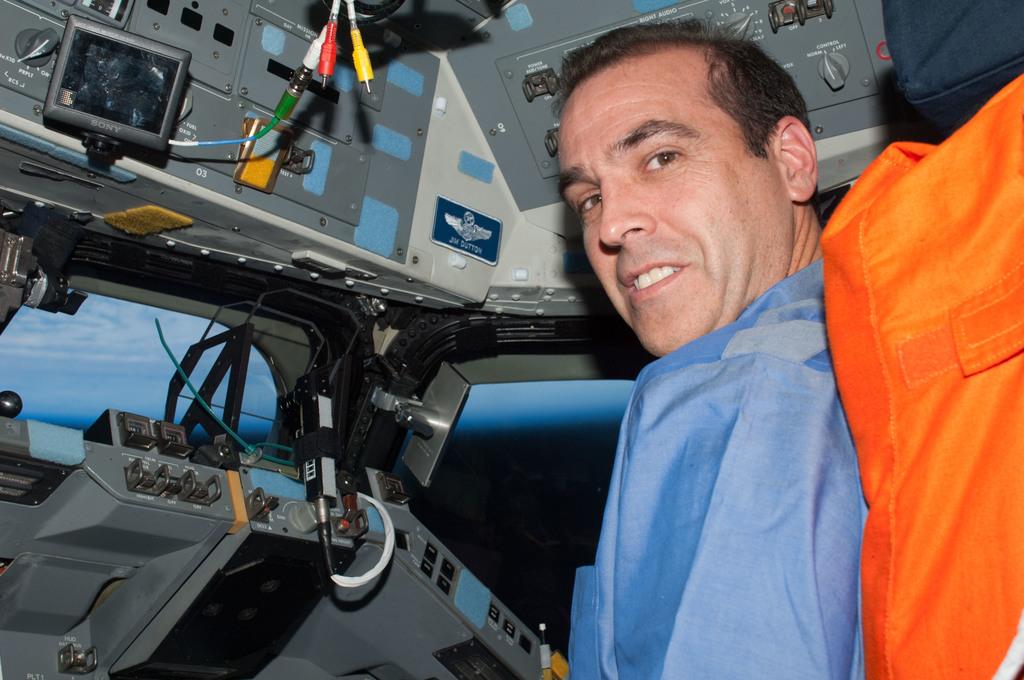 S131E011467 - STS-131 - Mastracchio on FD