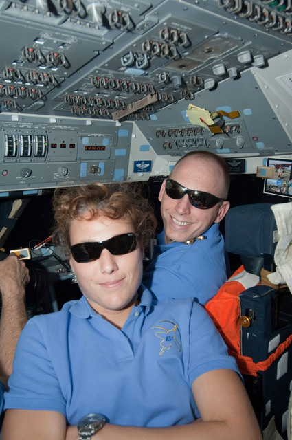 S131E011573 - STS-131 - Metcalf-Lindenburger and Anderson on AFT FD during Undocking OPS