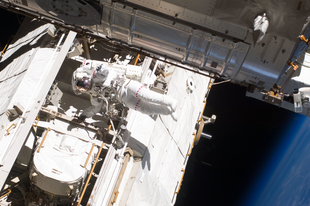 S132E008329 - STS-132 - Good during EVA-2