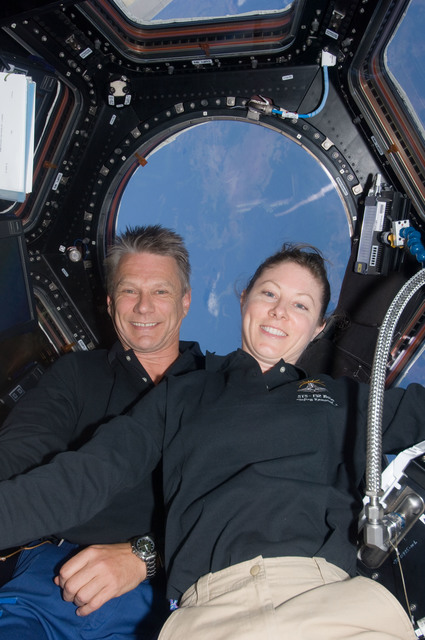 S132E008988 - STS-132 - Sellers and Dyson in the Cupola Module during Joint Operations