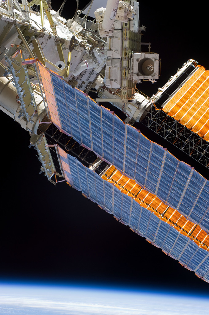 S132E009312 - STS-132 - STS-132 EVA-3