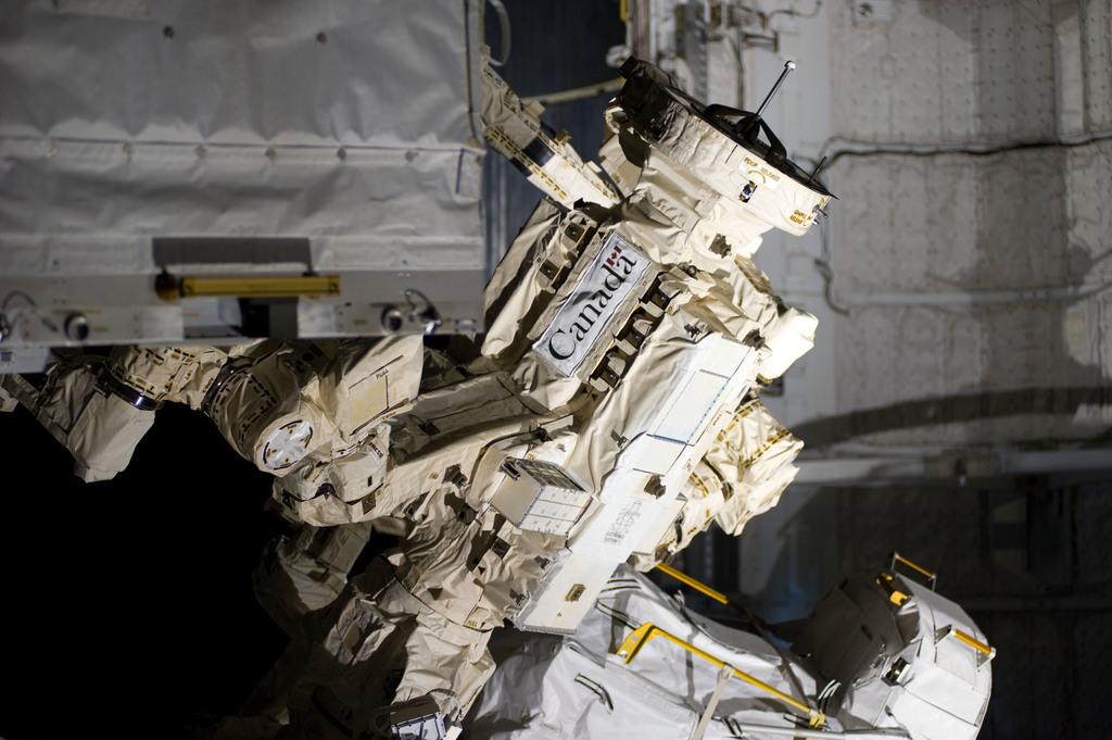 s133E008248 - STS-133 - EVA 2