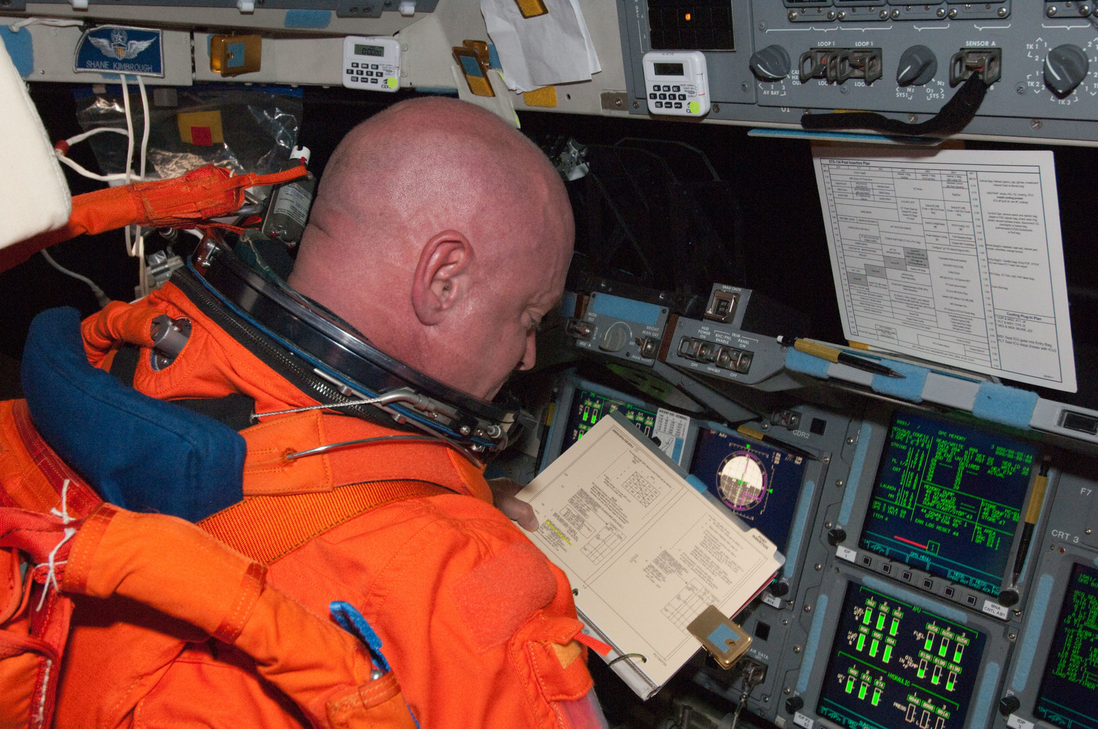 S134E005573 - STS-134 - View of STS-134 Commander Kelly on the Flight Deck