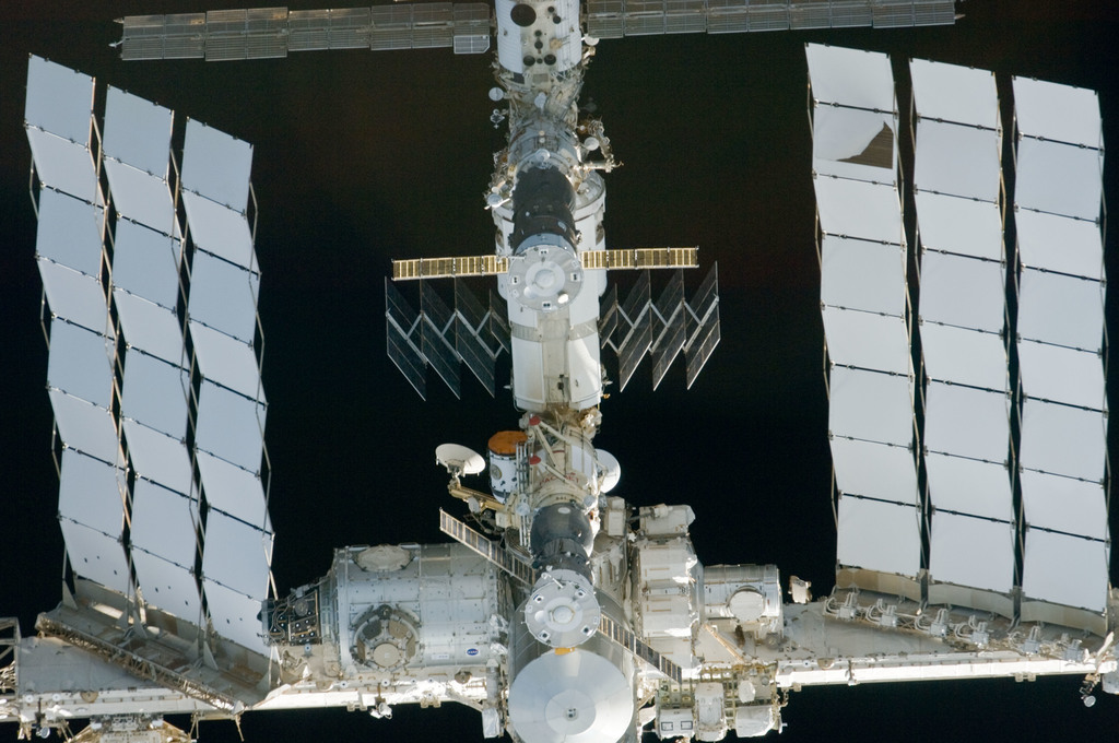 S134E006628 - STS-134 - Exterior view of ISS taken during STS-134 Approach