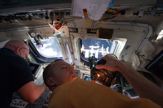 S134E006988 - STS-134 - View of STS-134 Crew Members on the Flight Deck