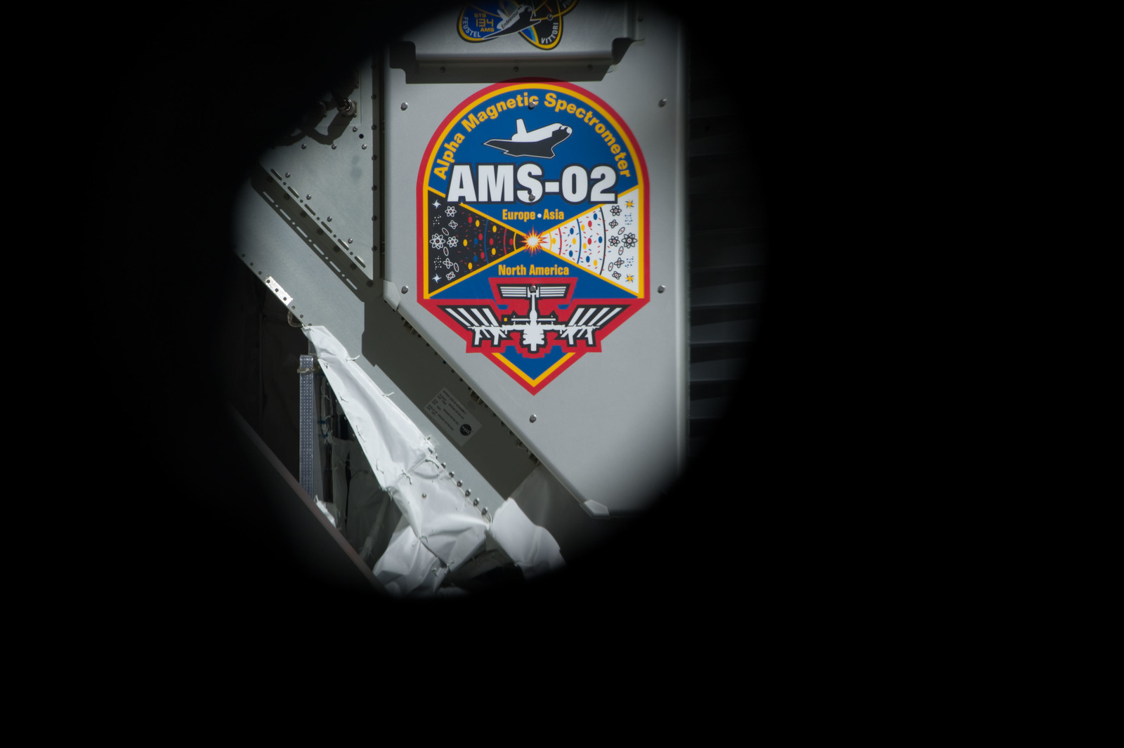 S134E007369 - STS-134 - View of AMS-2 stowed in the Endeavour Payload Bay