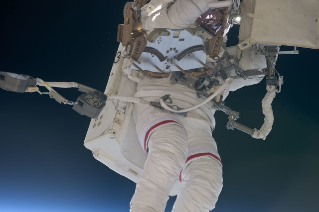 S134E008658 - STS-134 - View of STS-134 MS Feustel during EVA-2