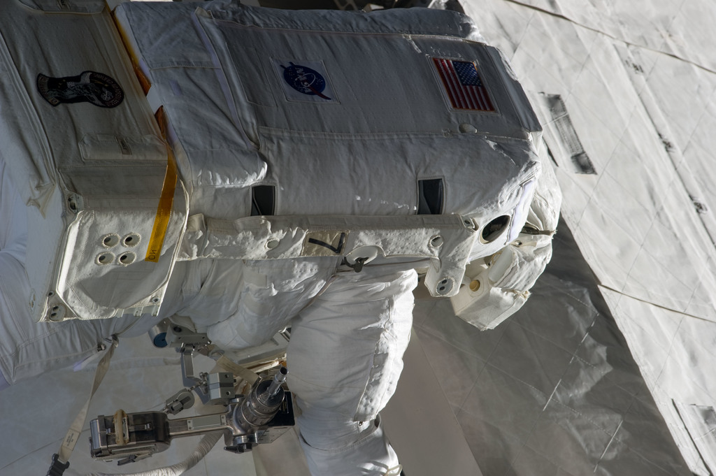 S134E008677 - STS-134 - View of STS-134 MS Fincke during EVA-2