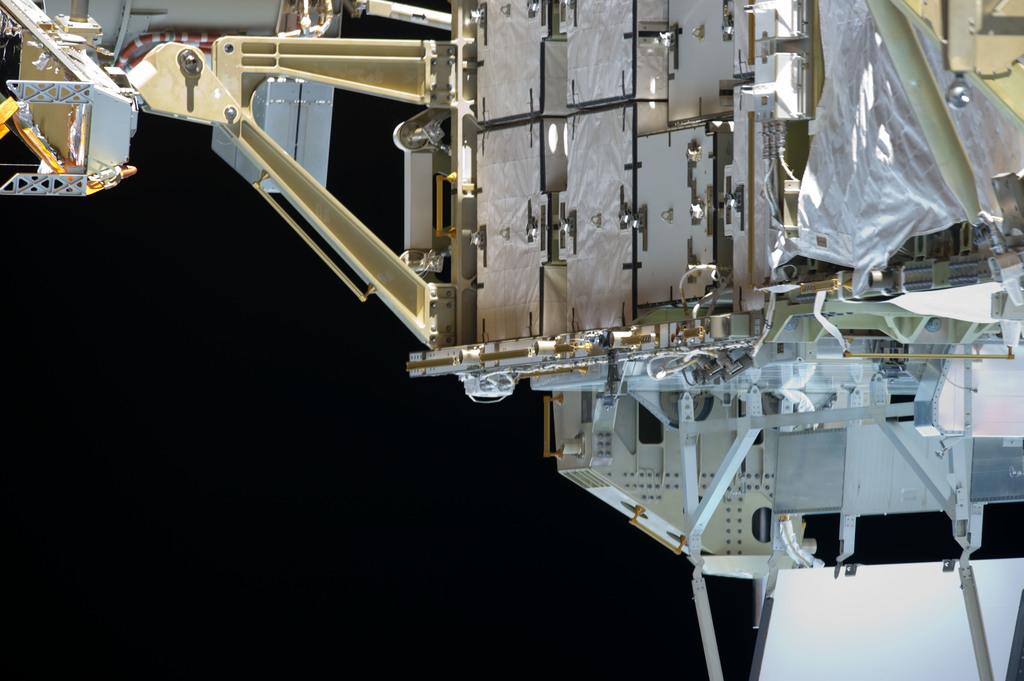 S134E008691 - STS-134 - View of Port SARJ taken during EVA-2