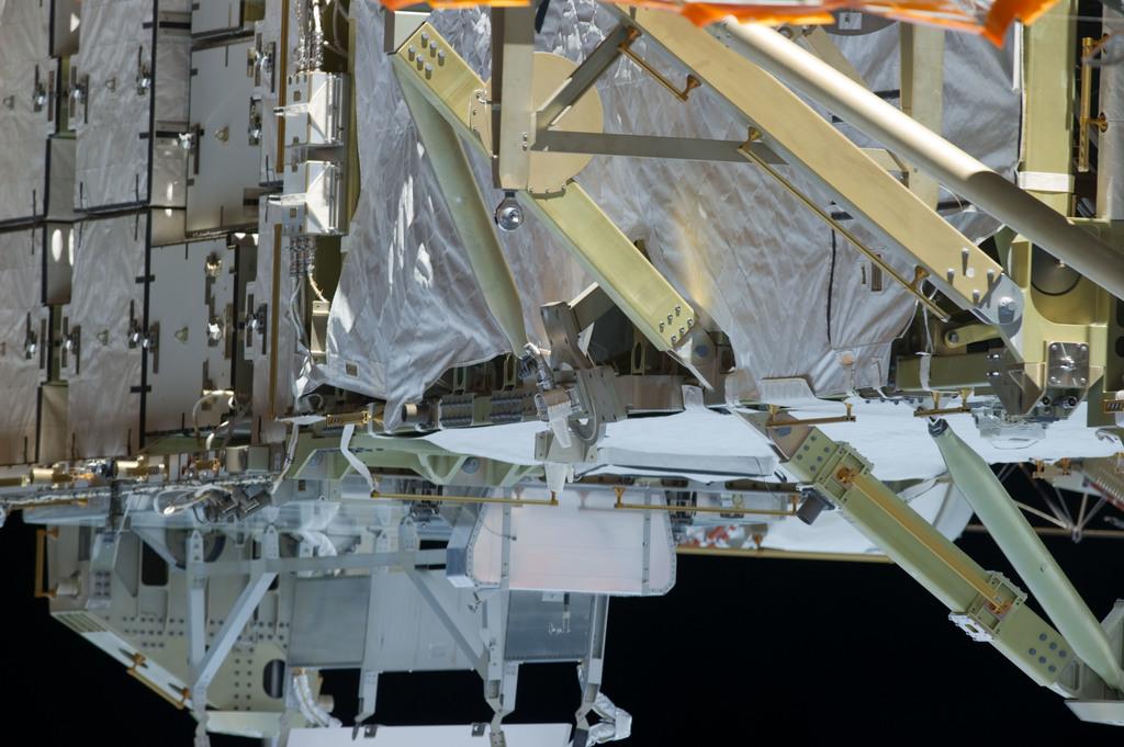 S134E008692 - STS-134 - View of Port SARJ taken during EVA-2