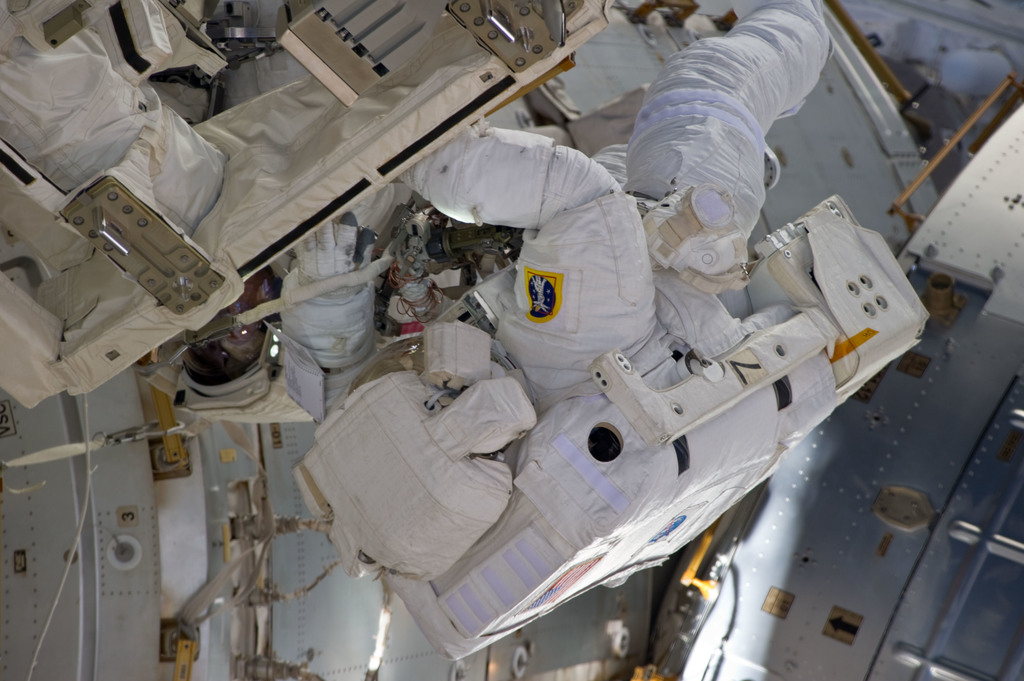 S134E008942 - STS-134 - View of MS Fincke during EVA-3