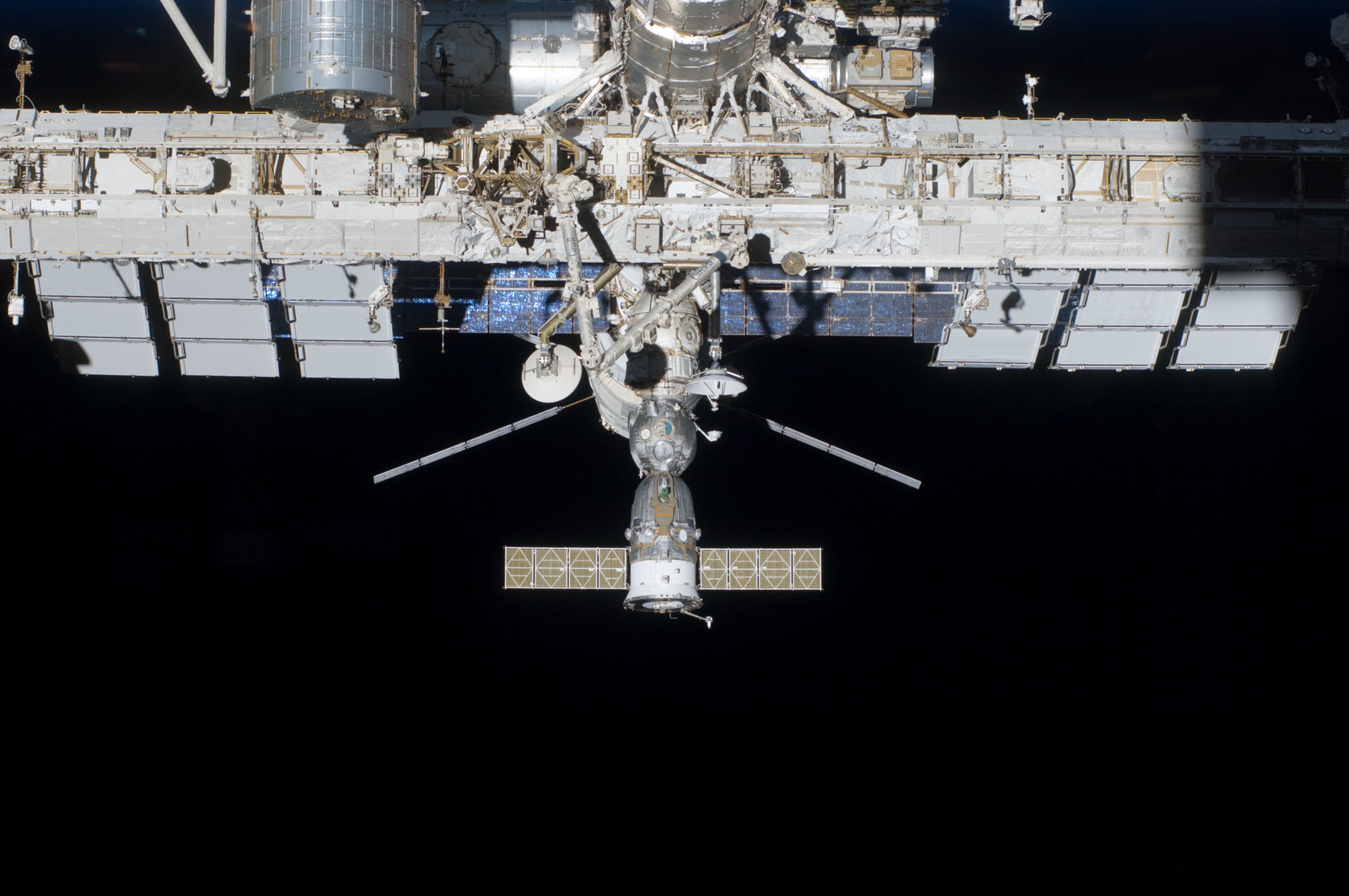 S134E010584 - STS-134 - View of ISS taken during STS-134 Flyaround