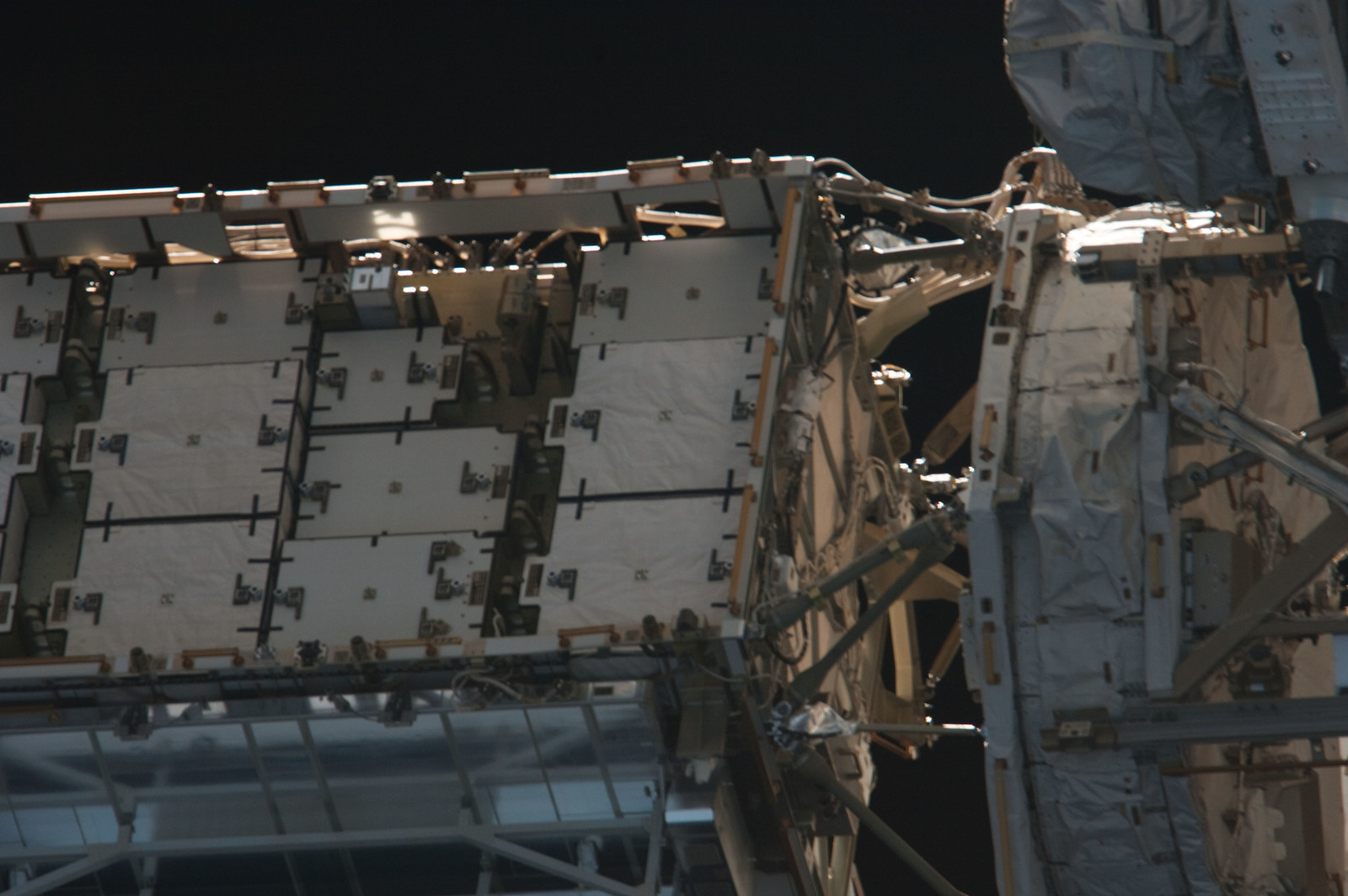 S134E011384 - STS-134 - Close-up view of Port Side Truss Segments