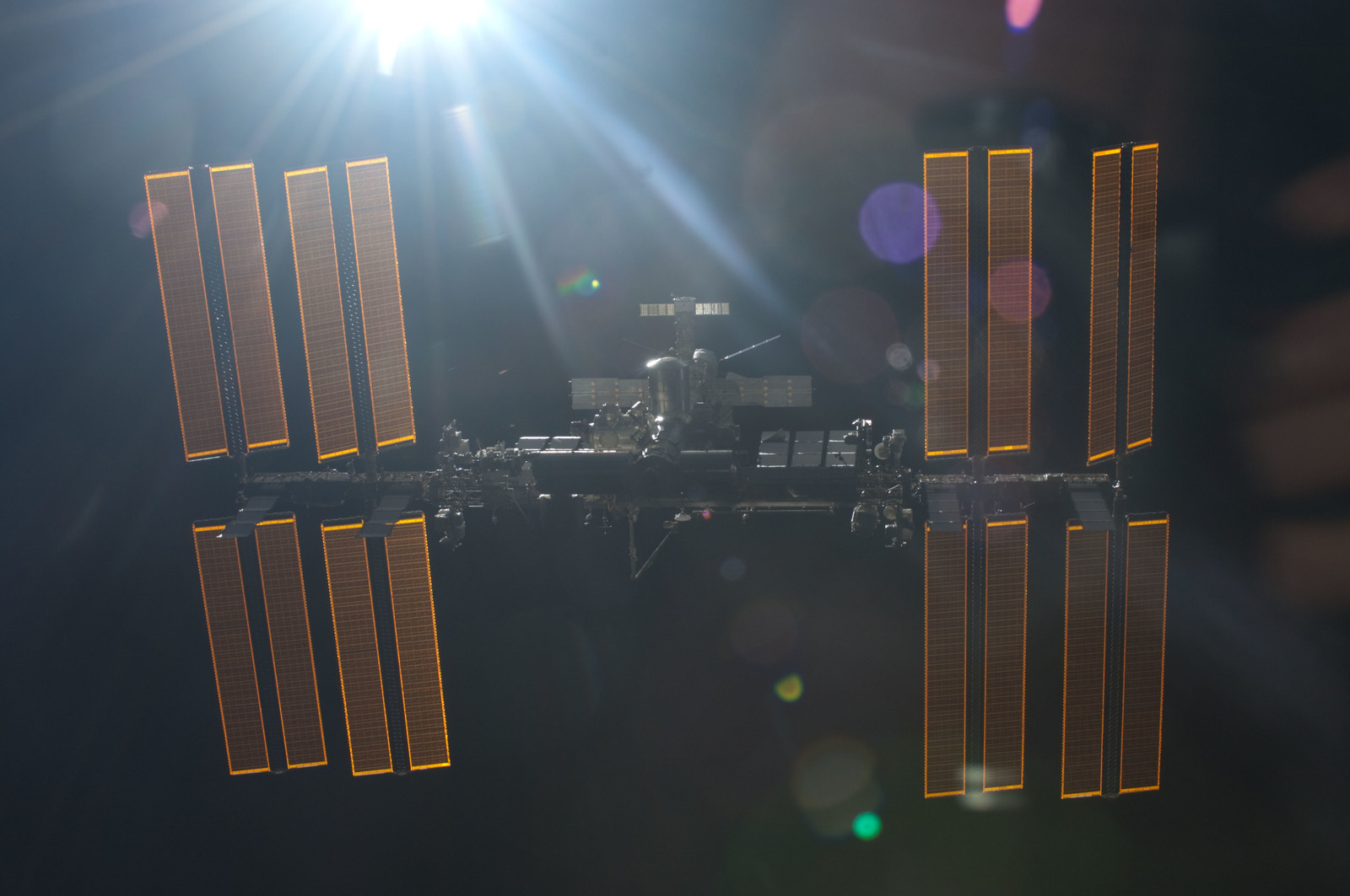 S134E011406 - STS-134 - Overall view of ISS