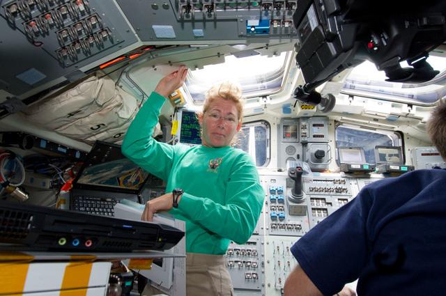 S135E006312 - STS-135 - Magnus on Aft Flight Deck