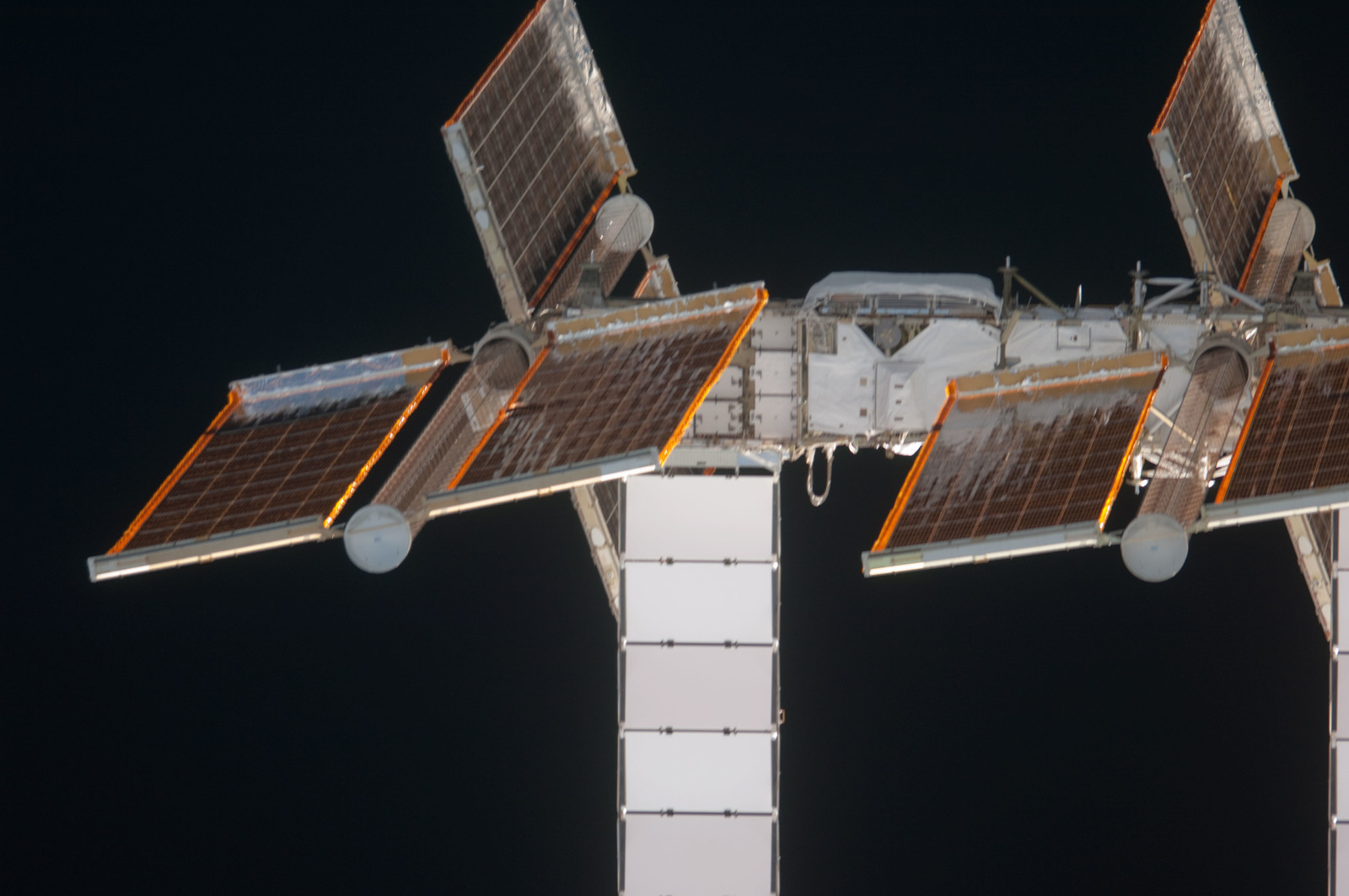 S135E006799 - STS-135 - Port Truss Segments during STS-135 Approach