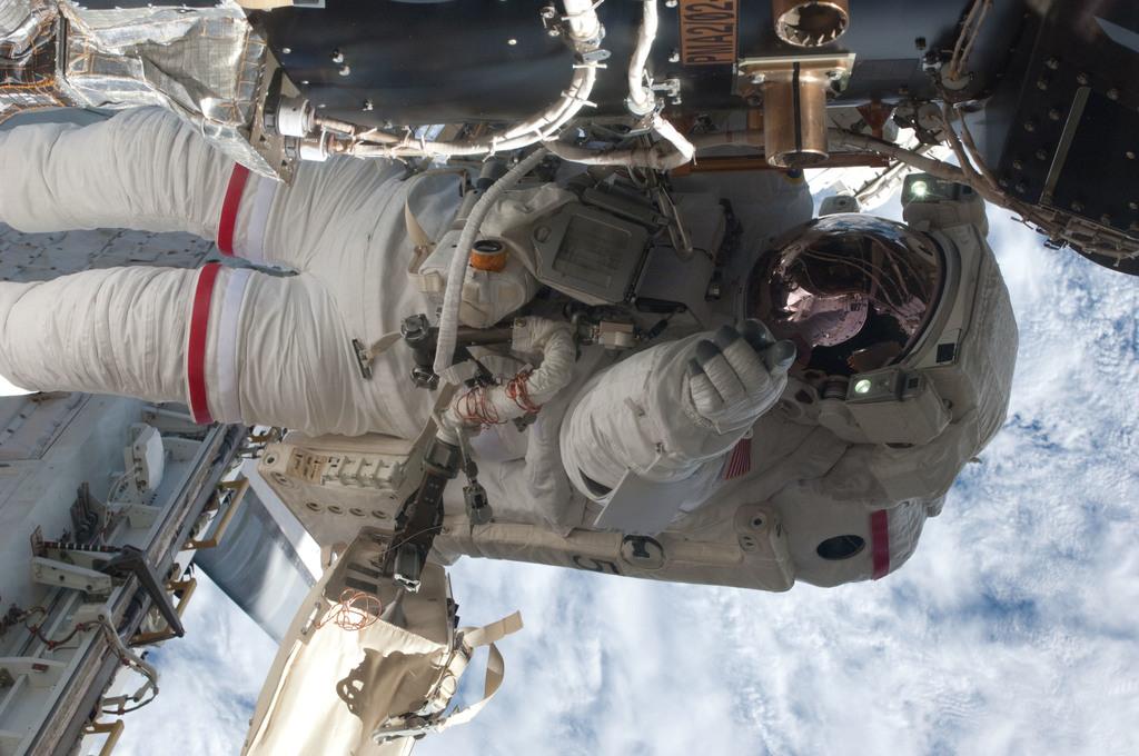 S135E007658 - STS-135 - Fossum during EVA 1