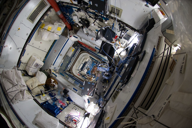 S135E009280 - STS-135 - Interior View of Node 2