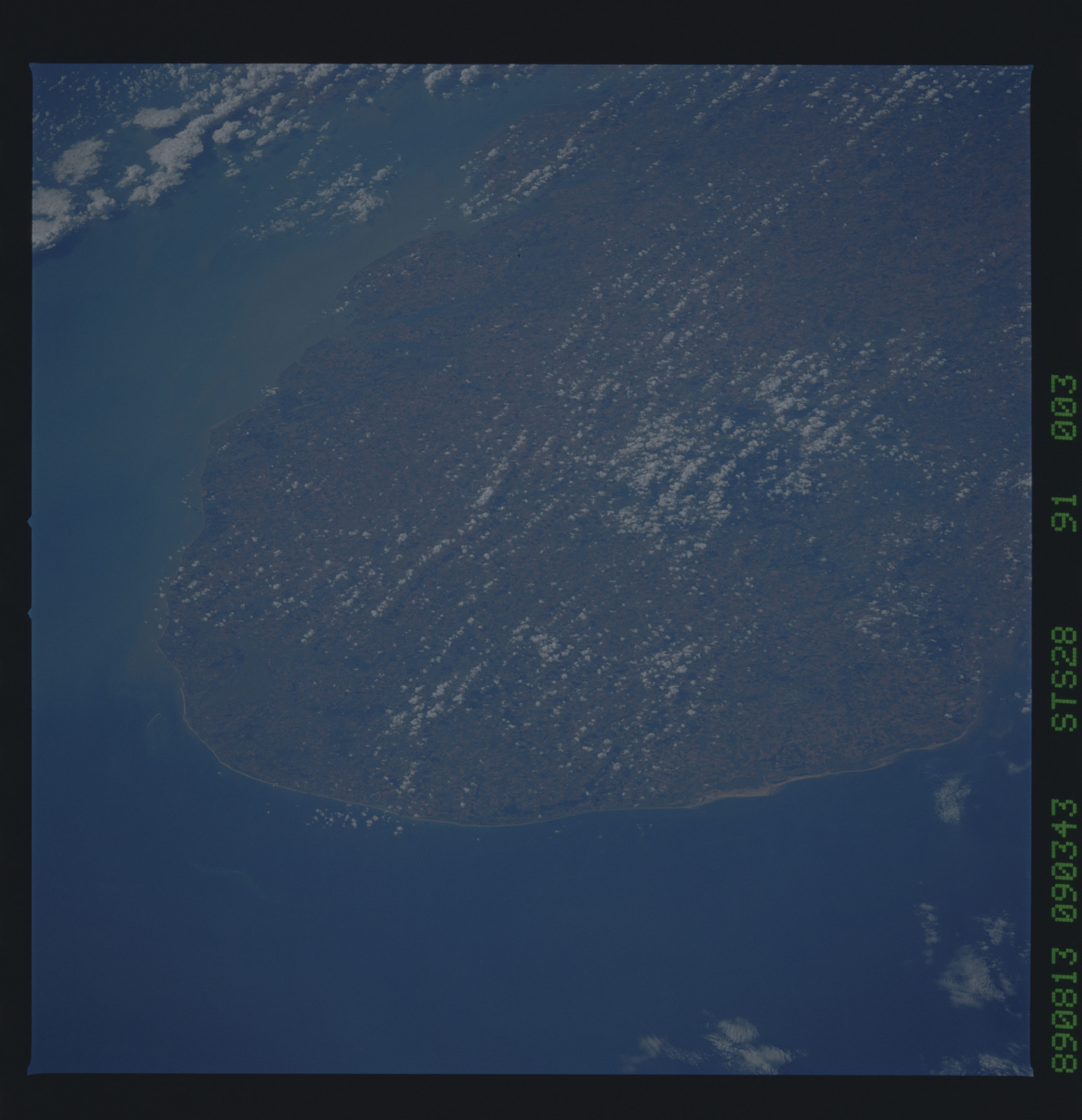 S28-91-003 - STS-028 - STS-28 earth observations