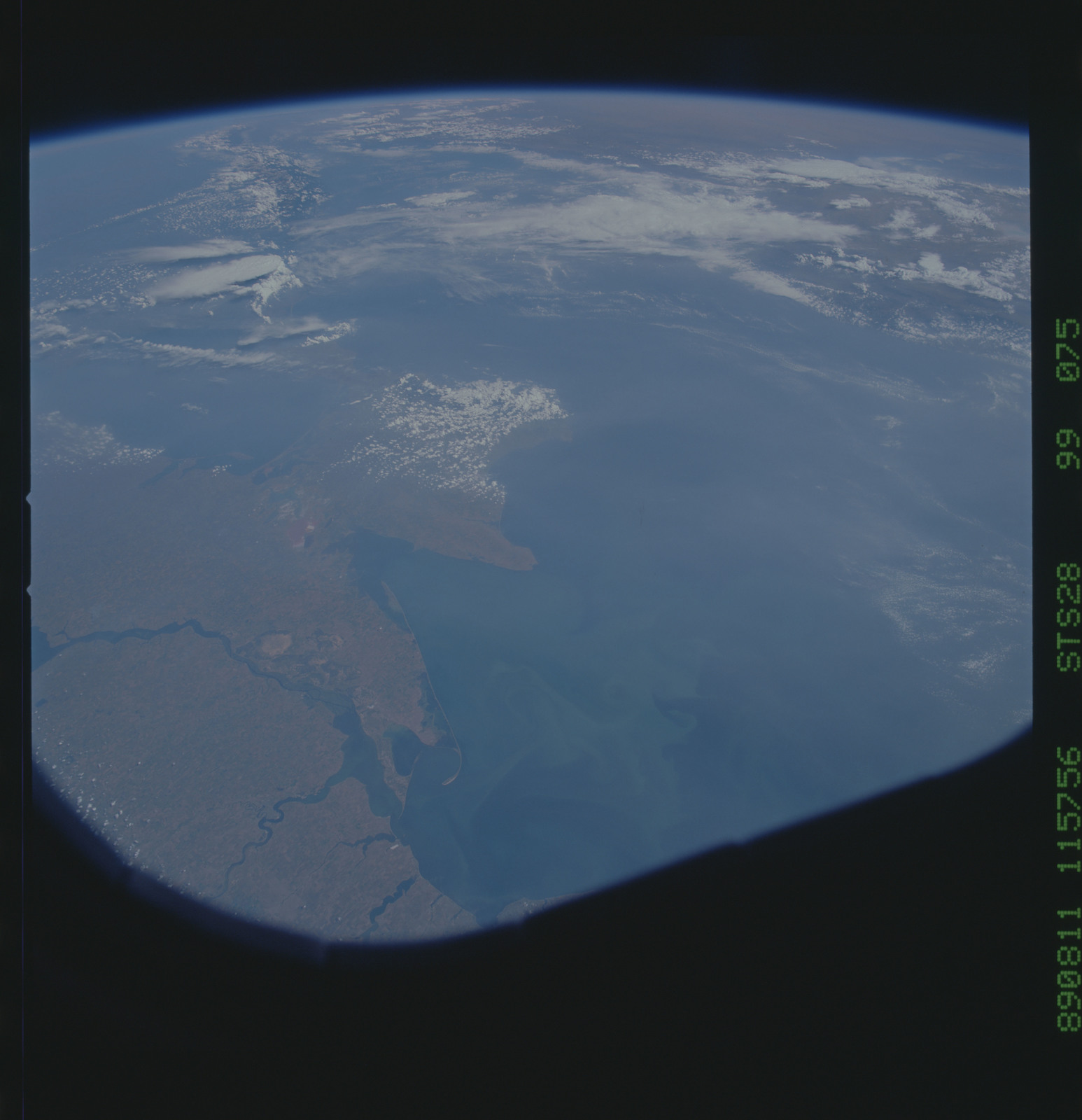 S28-99-075 - STS-028 - STS-28 earth observations