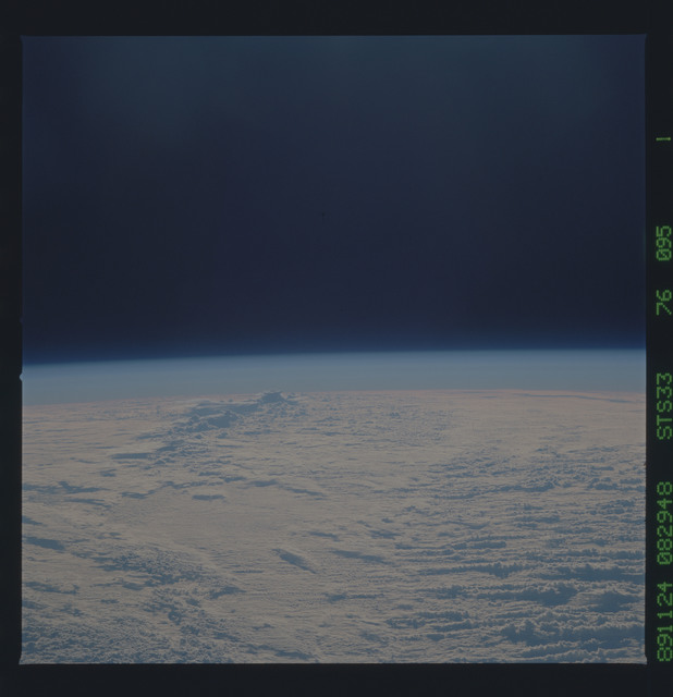 S33-76-095 - STS-033 - STS-33 earth observations