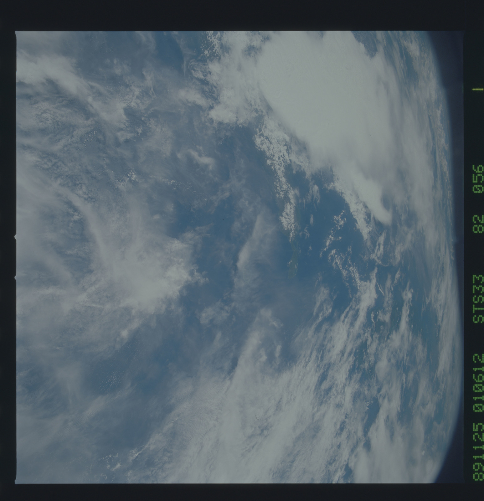 S33-82-056 - STS-033 - STS-33 earth observations