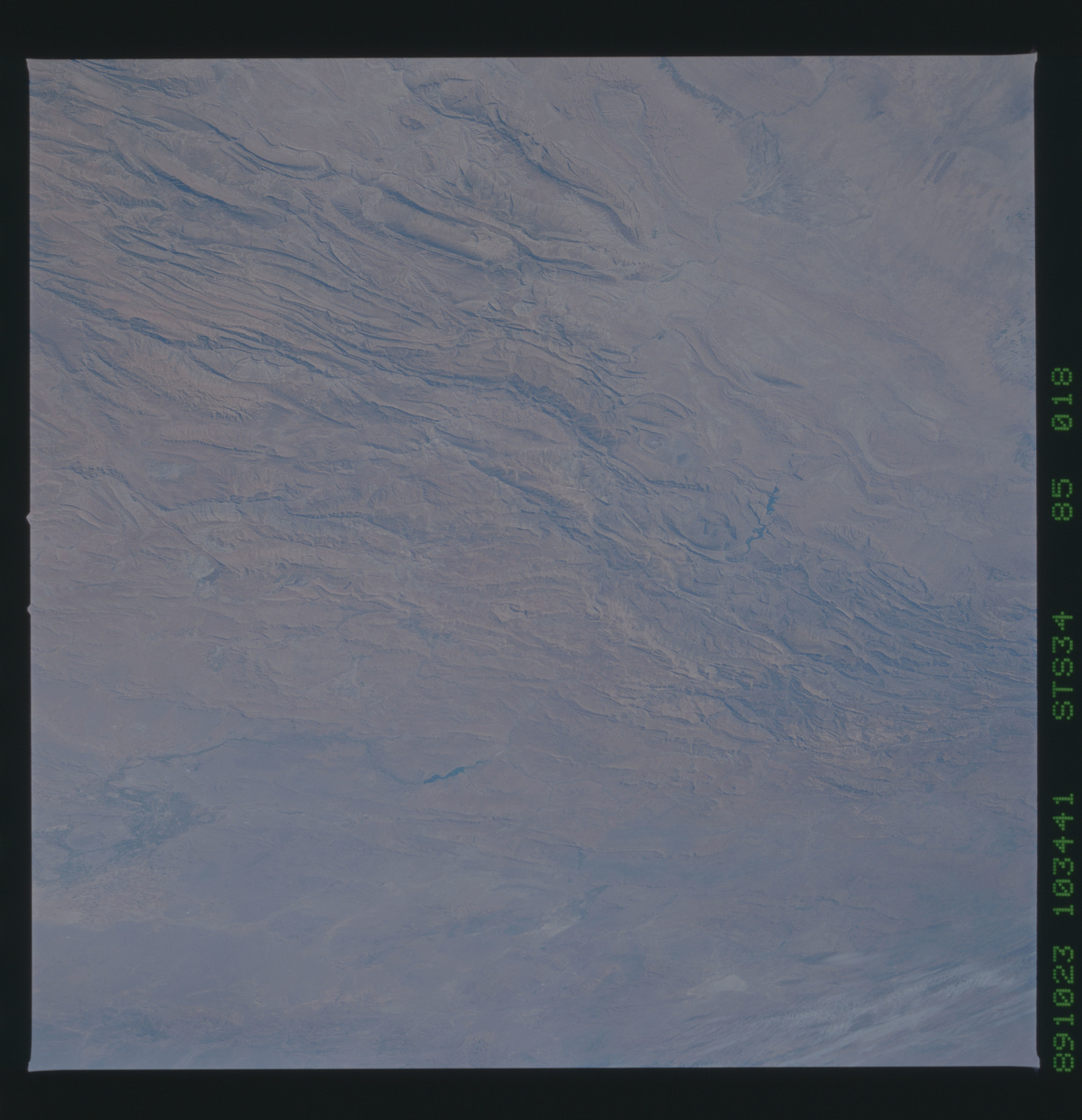 S34-85-018 - STS-034 - STS-34 earth observations
