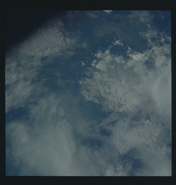 S35-606-045 - STS-035 - Earth observations taken during the STS-35 mission